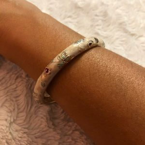 Jim Long Xing Floral Bangle Bracelet 💕